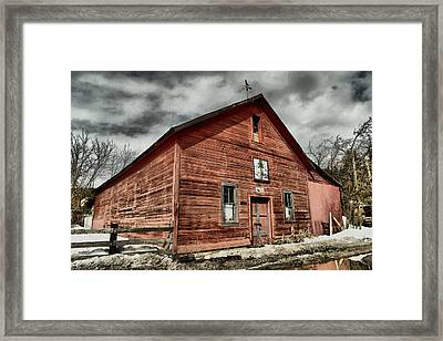 Framed Print featuring the photograph Old Barn In Roslyn Wa by Jeff Swan