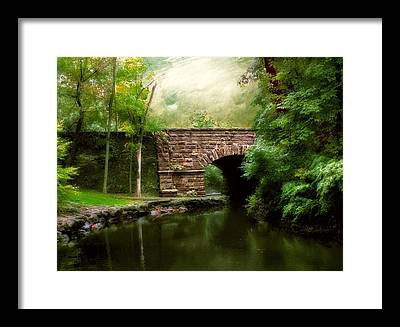 Old Countrybridge Green Art Framed Prints