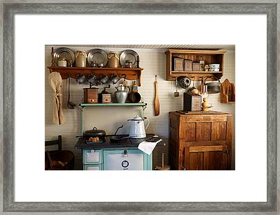 Old Country Kitchen Framed Print by Carmen Del Valle