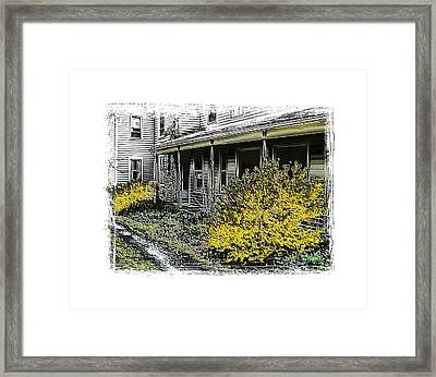 Old Homeplace Framed Print by Robert Boyette