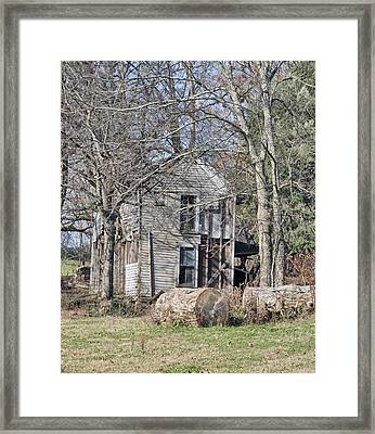 Old Homestead Framed Print by Linda A Waterhouse