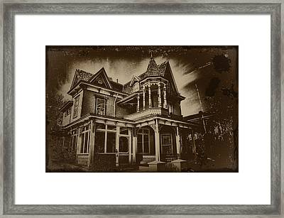 Old House In Cape May Framed Print by Bill Cannon
