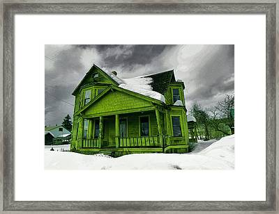 Framed Print featuring the photograph Old House In Roslyn Washington by Jeff Swan