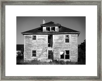 Old House On Stagecoach Road Framed Print by Stephen Mack