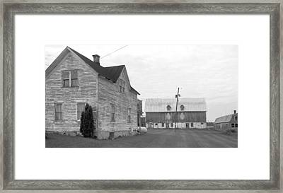 Old House With Barn On Clarks Lake Road Framed Print by Stephen Mack