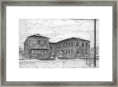 Old Lilly Lab At Mbl Framed Print