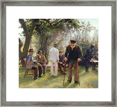 Old Men In Rockingham Park Framed Print by Walter Bonner Gash