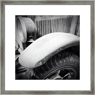 Old Vehicle Framed Print by Les Cunliffe