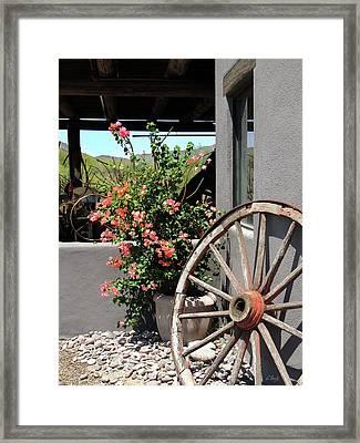Old Wagon Wheel Framed Print by Gordon Beck