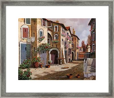 Ombre Per Strada Framed Print