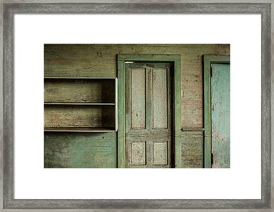 One Room Schoolhouse Interior - Damascus Pennsylvania Framed Print by David Smith