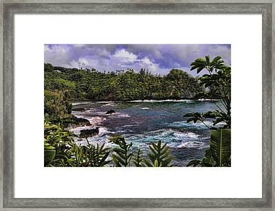 Onomea Bay Hawaii Framed Print