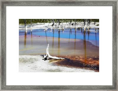 Opalescent Pool Yellowstone Np Framed Print by Teresa Zieba