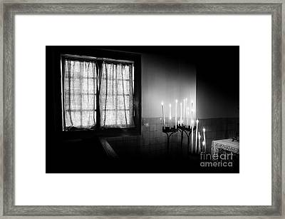 Our Lady Chapel Detail In  The Ons' Lieve Heer Op Solder Amsterdan Bw Framed Print by RicardMN Photography