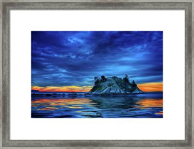 Framed Print featuring the photograph Pacific Sunset by John Poon