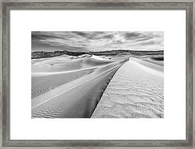 Endless Dunes Framed Print by Jamie Pham