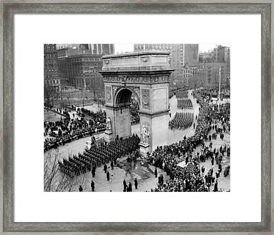 Paratroopers Of The 82nd Airborne Framed Print by Everett