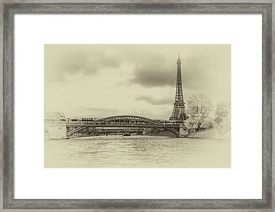 Paris 2 Framed Print