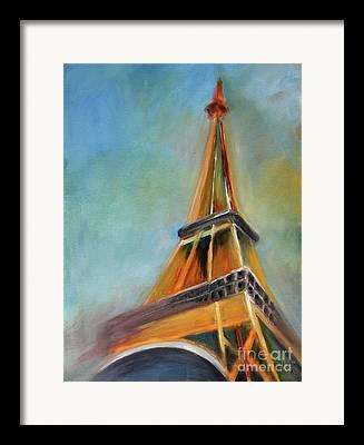 Eiffelturm Framed Prints