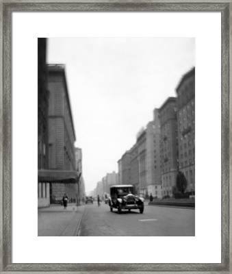 Park Avenue In Ny Framed Print by Underwood Archives