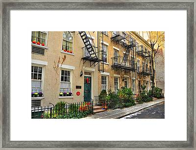 Patchin Place - Ee Cumming's Historic Home Framed Print by Randy Aveille
