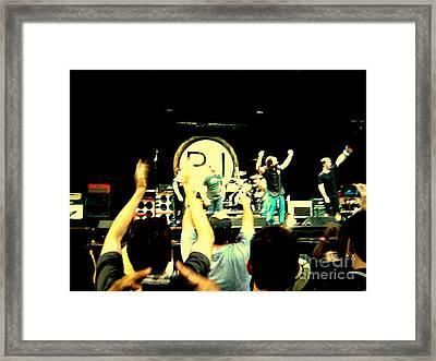 Pearl Jam Seattle Framed Print by Linda De La Rosa