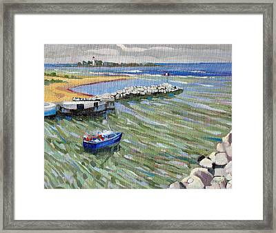 Peerlessly Outbound Framed Print by Phil Chadwick