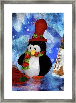 Penguin Pa 02 Framed Print by Thomas Woolworth