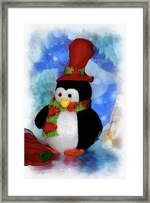 Penguin Pa 03 Framed Print by Thomas Woolworth