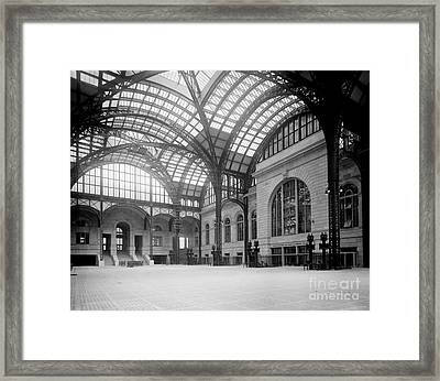 Pennsylvania Station, Nyc, 1910-20 Framed Print by Science Source