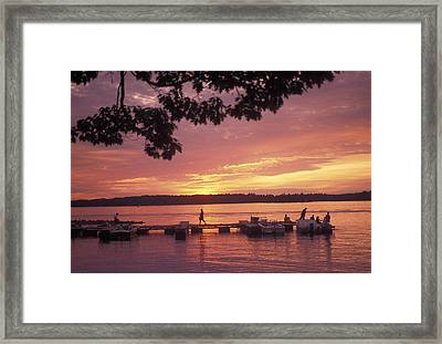 People At The Marina At Sunset Framed Print by Richard Nowitz