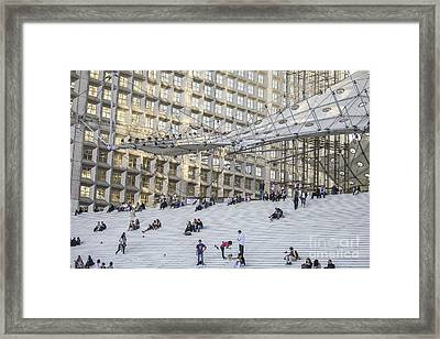 People On La Grande Arche In Paris Framed Print by Patricia Hofmeester
