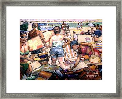 People On The Beach Framed Print by Stan Esson