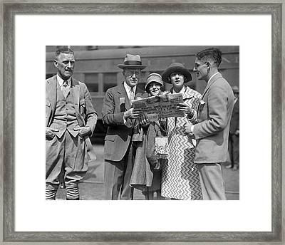 People Reading A Newspaper Framed Print by Underwood Archives