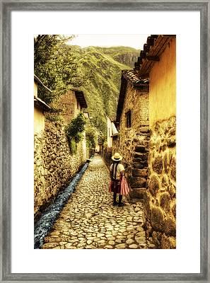Peruvian Streets Framed Print by Stuart Deacon