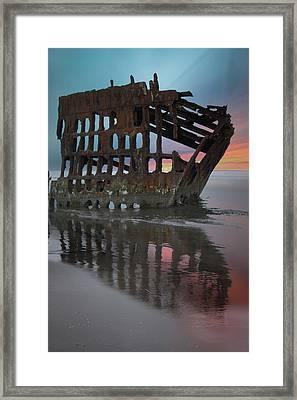 Peter Iredale Shipwreck At Sunrise Framed Print