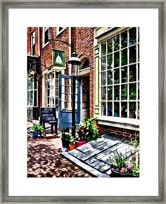 Philadelphia Pa Coffeehouse Framed Print by Susan Savad