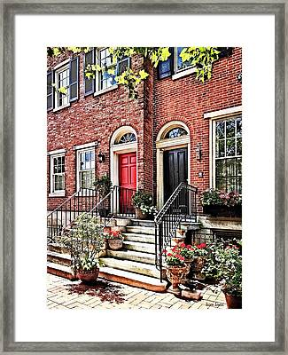 Philadelphia Pa - Townhouse With Red Geraniums Framed Print