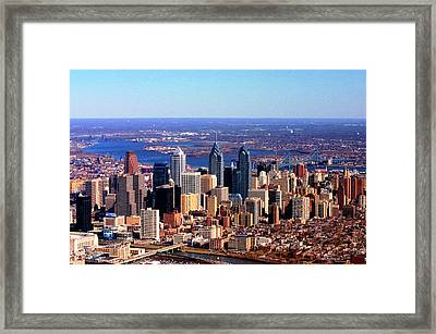 Framed Print featuring the photograph Philadelphia Skyline 2005 by Duncan Pearson