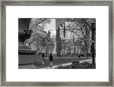 Philadelphia Street Photography - 0902 Framed Print