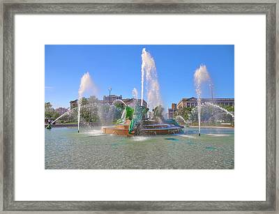 Framed Print featuring the photograph Philadelphia - Swann Fountain At Logan Square by Bill Cannon