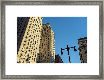 Framed Print featuring the photograph Philadelphia Urban Landscape - 0948 by David Sutton