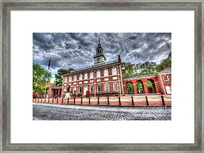 Philadelphia's Independence Hall Under The Clouds Framed Print