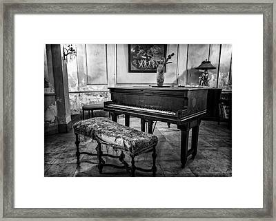 Framed Print featuring the photograph Piano At Josie's House Bw by Joan Carroll