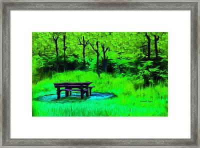 Pic-nic Green - Da Framed Print