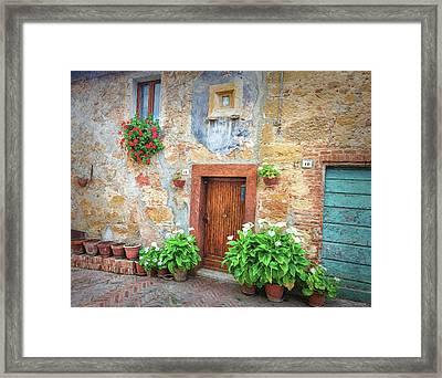 Pienza Street Scene Framed Print