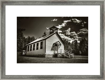 Pinkham Creek School House In Black And White Framed Print by Constance Puttkemery