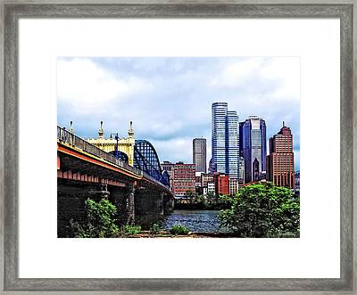 Pittsburgh Pa - Pittsburgh Skyline By Smithfield Street Bridge Framed Print by Susan Savad