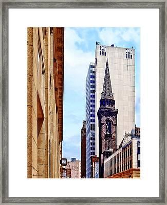 Pittsburgh Pa - Smithfield St Near Smithfield Church Framed Print