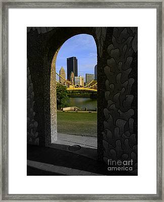 Pittsburgh Skyline, North Shore Arch, Pittsburgh, Pa  Framed Print